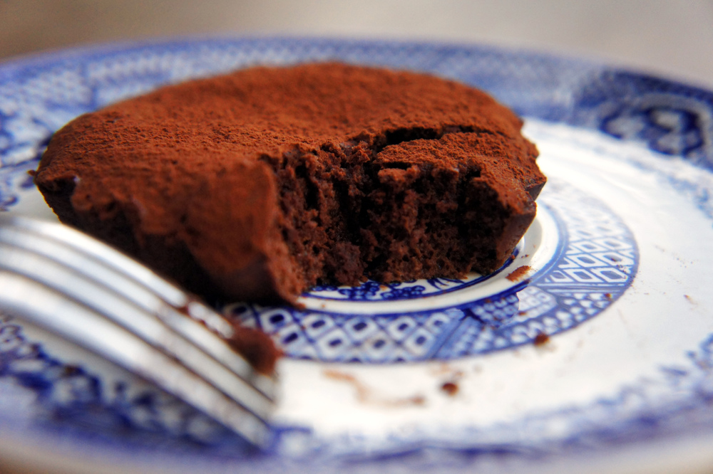 Semi-Sweet Flourless Chocolate Cake: 4 simple ingredients. Grain-free, and paleo