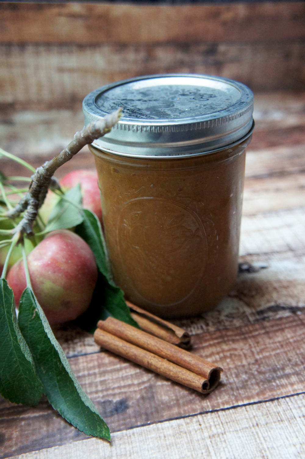 Apple Butter done in a slow cooker - no added sugars, #paleo and #vegan treat!