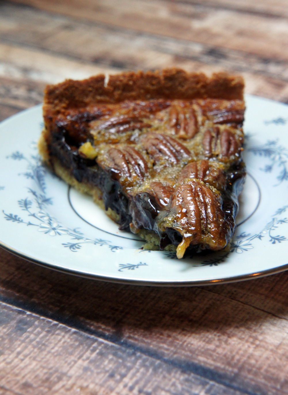 Paleo Chocolate Pecan Pie