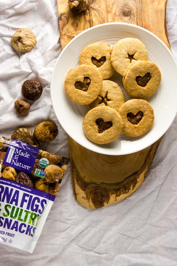 Grain-free linzer cookies