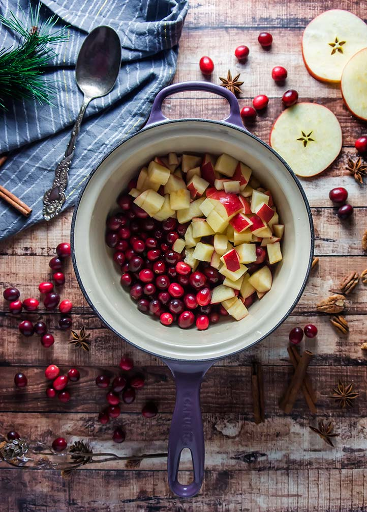 Paleo Cran-Apple Relish Sauce