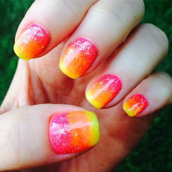 These ombre nails were everything! I chose these for my Hawaii vacation because it not only looks like what a perfect sunset should resemble, but because it matched a majority of my neon things :)