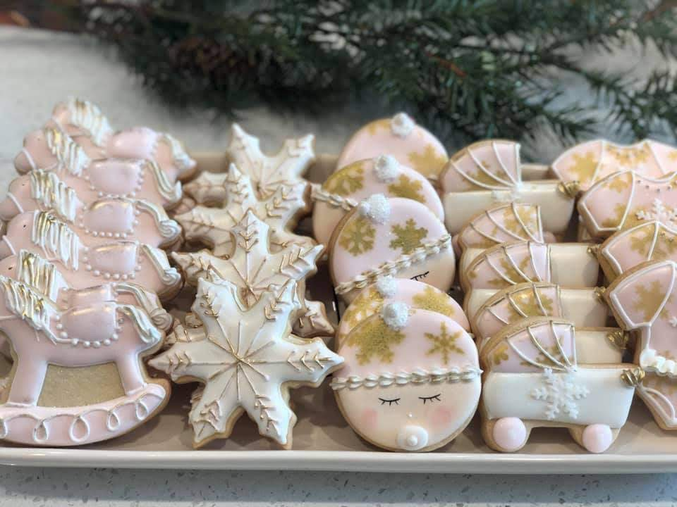 How gorgeous are these cookies?! Also made by a family friend and almost too delicious to eat!