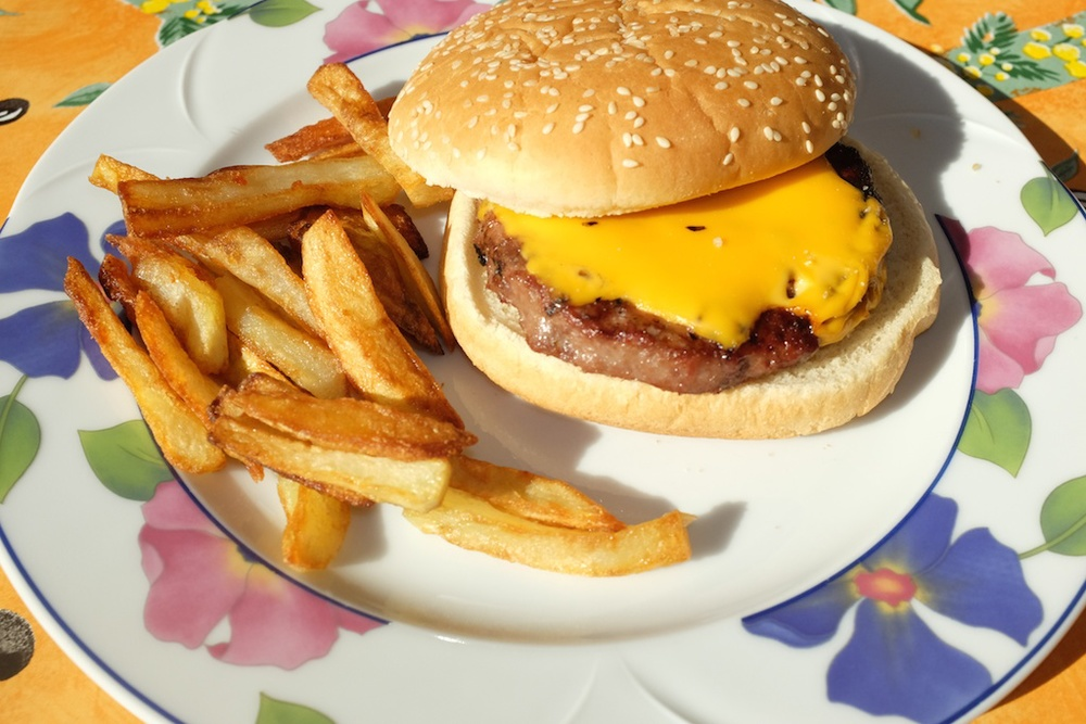 Cheese burgers & chips