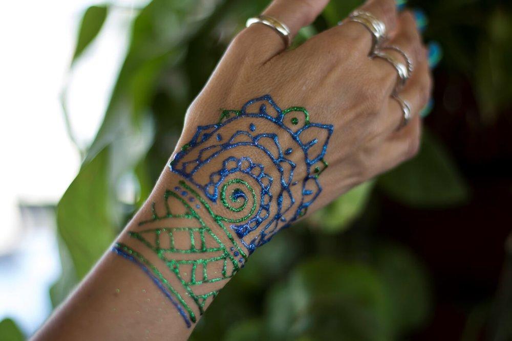glitter henna 1.jpg