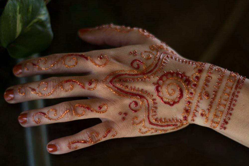 glitter henna 2.jpg