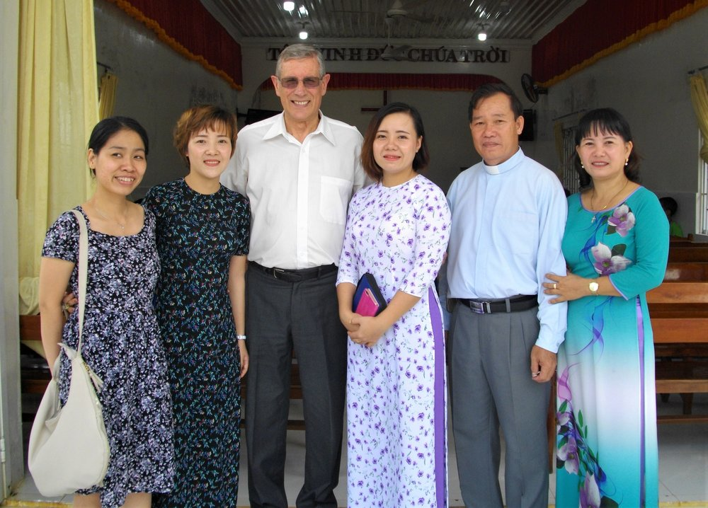from left: Rachel the interpreter, Thuong, Pastor David Christian, Ngoc (Ruby),  Pastor Nhon (leader of ELCV), his wife Tra (Tee).