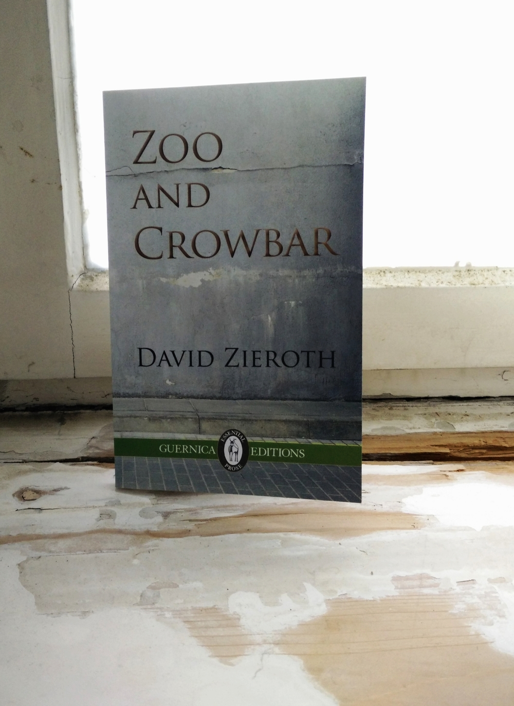 Zoo and Crowbar     Guernic    a Editions     2015
