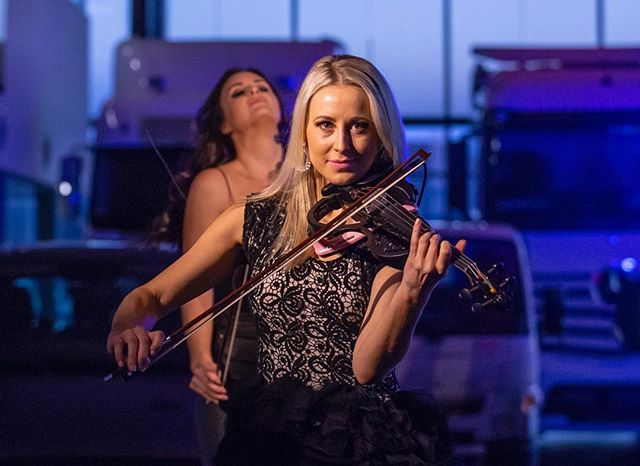 So glad we get to recreate this show again in a few weeks 🖤@lilythorntoncello & @samanthacharlotteviolin - hope you're ready! 😘 . . . . . . . . . . . #violin#violinist#cello#cellist#australia#melbourne#sydney#orchestra#musician#music#instamusic#events#stringquartet#yamahaartists#musiclife#melbourneevents#sydneyevents#sherrihill#jovani#sparkledress#alamourthelabel