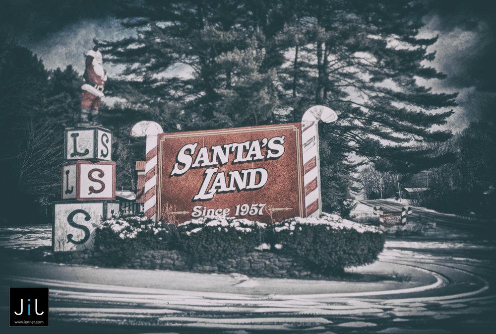 Santa's LandIMG_1234_HDR-Edit.jpg
