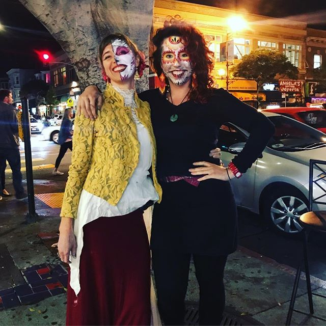 What a treat to paint and help people celebrate for #diadelosmuertos. Thanks to my beautiful painting partner for the evening Haley and all my ancestors. What a beautiful tradition. #diadelosmuertosmakeup #diadelosmuertosfacepaint #facepainting #wynazzpizzazz #professionalfacepainter