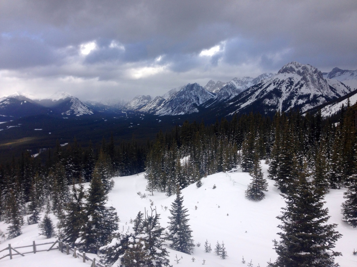 After trials I put in my second biggest volume block of the year, spending three days at altitude.Day 1: Kananaskis Country