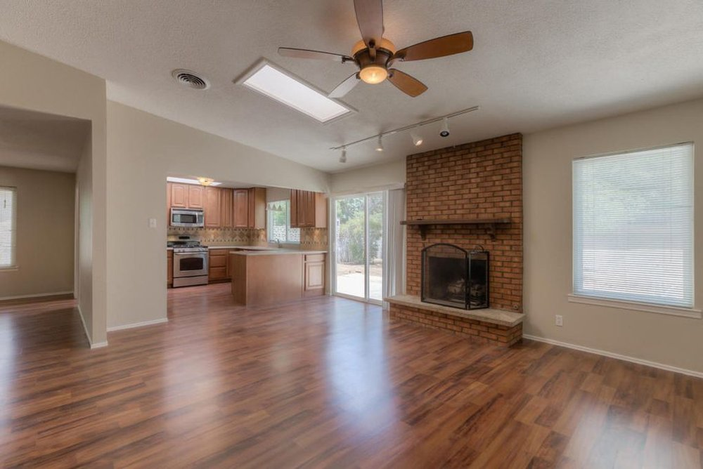 Here is a living room before ABQ Home Staging staged it for Sale.
