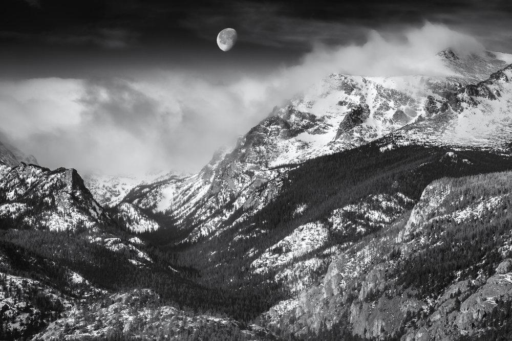Moonset_9033-HDR_fullsize.jpg