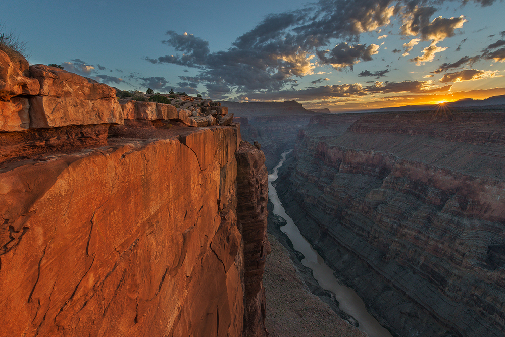Sunrise at Toroweap, North Rim of the Grand Canyon, Arizona
