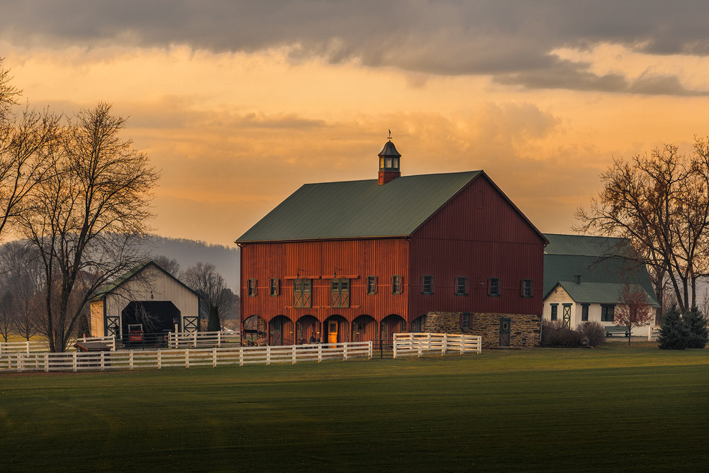 The Big Red Barn, No. 5 | Fuji X-T2 and a Fujinon XF50-140mm R OIS WR