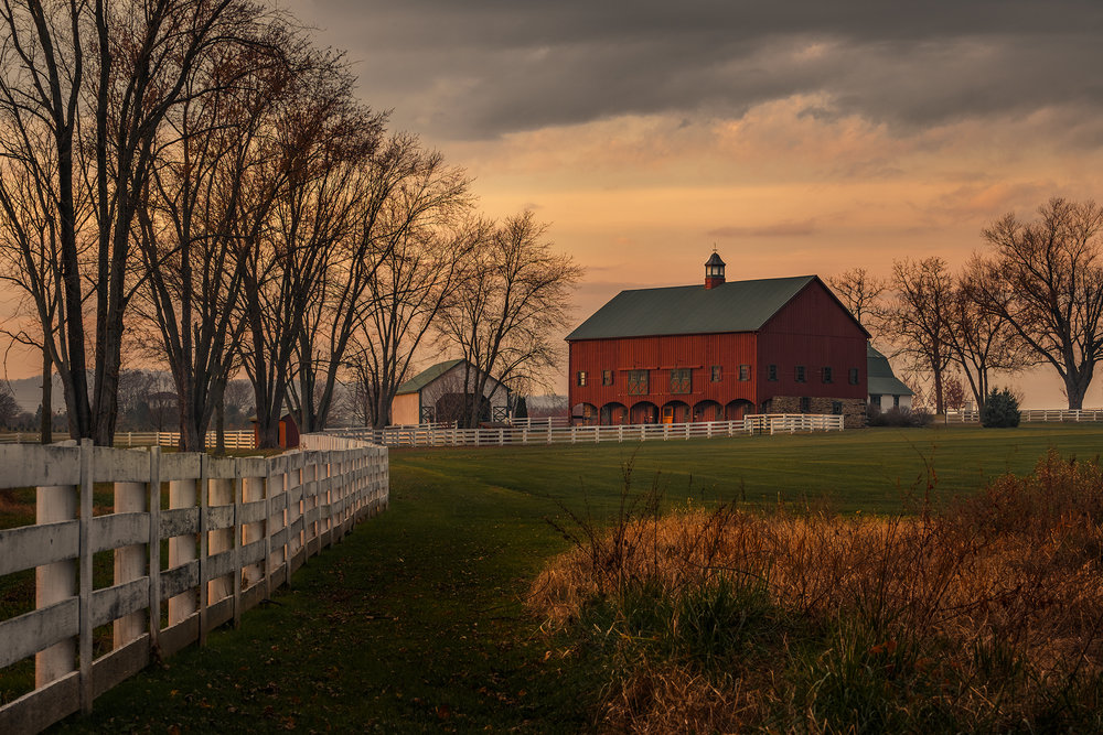 The Big Red Barn, No. 4 | Fuji X-T2 and a Fujinon XF50-140mm R OIS WR