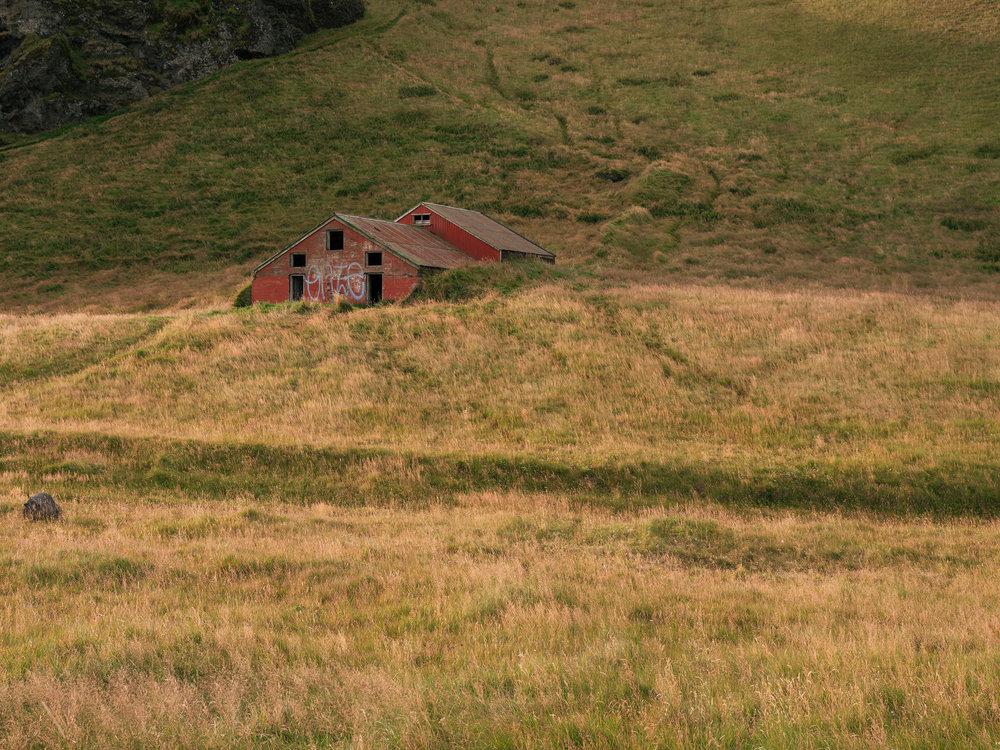 Abandoned barn near Dyrhólaey