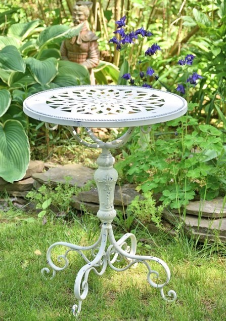 Attrayant Small Decorative Metal Round Garden Table   White Or Green