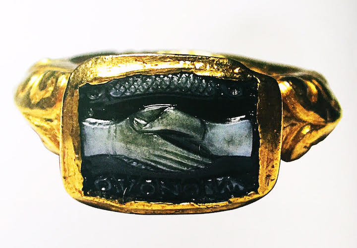 Delicieux Fade Intaglio Ring, OMONOIA (harmony) Gold And Carved Onyx, 3rd Century,