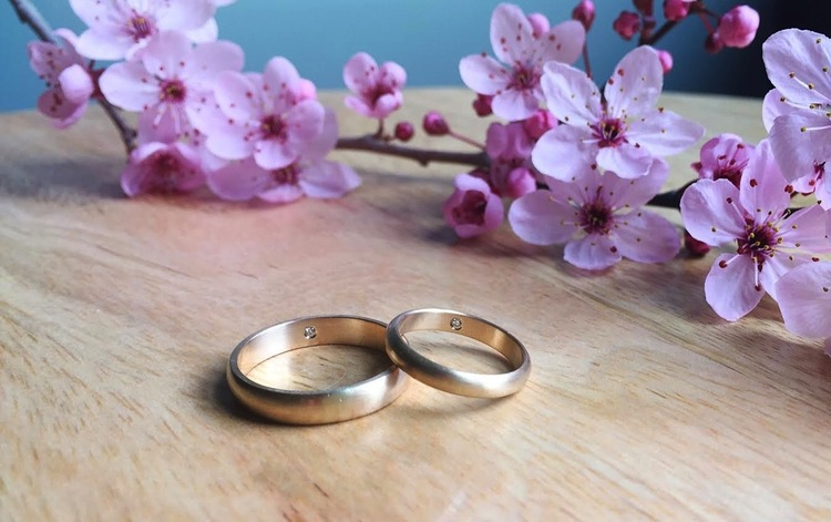 unique secret hidden diamond wedding bands