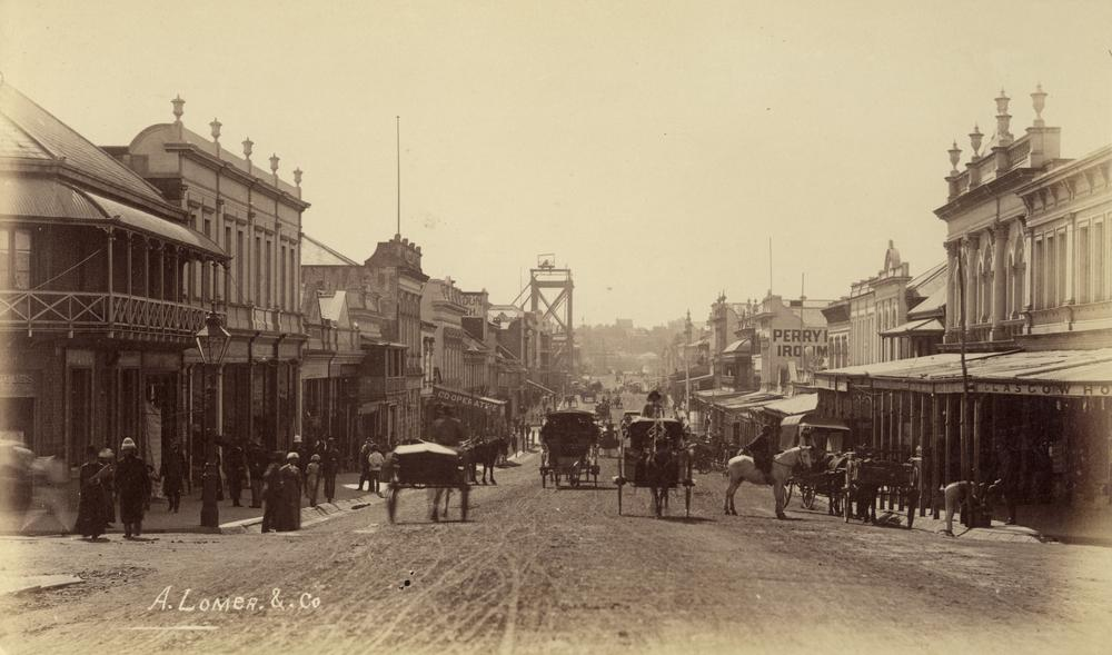 Looking_down_Queen_Street_from_the_Albert_Street_intersection,_Brisbane,_1884.jpg
