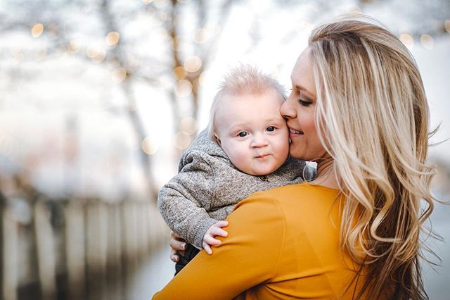 Priceless moments.  #family #baby #love #beauty #kisses #soft #cute #light #portrait #portraitphotography #maryland #Annapolis #life