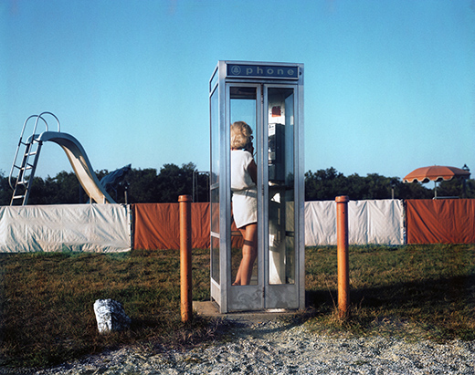 14_WomanPhoneBooth_ZM.jpg