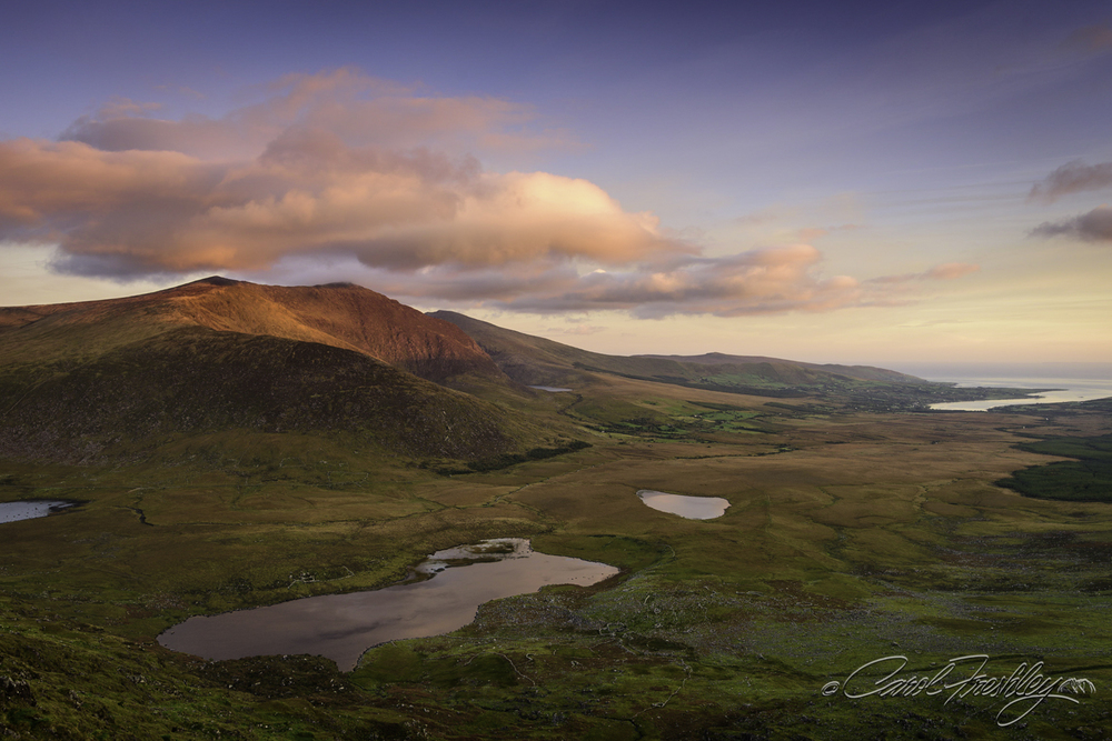 As the sun lightened up the top of the mountain the pink faded. Graduated ND filters kept the scene 'in control'.