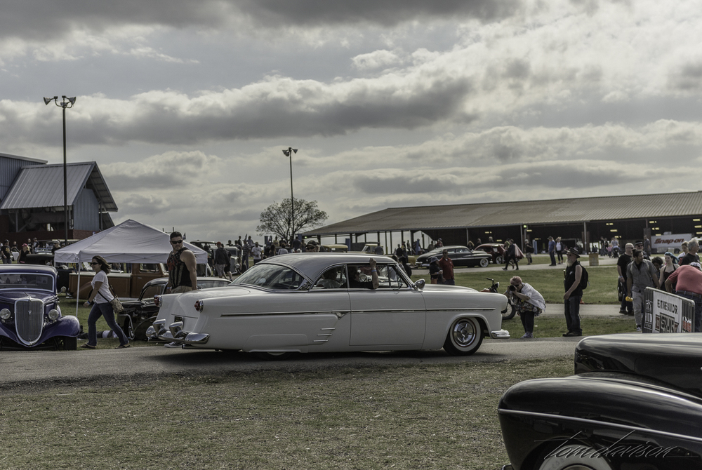 1954 Ford cruiser.