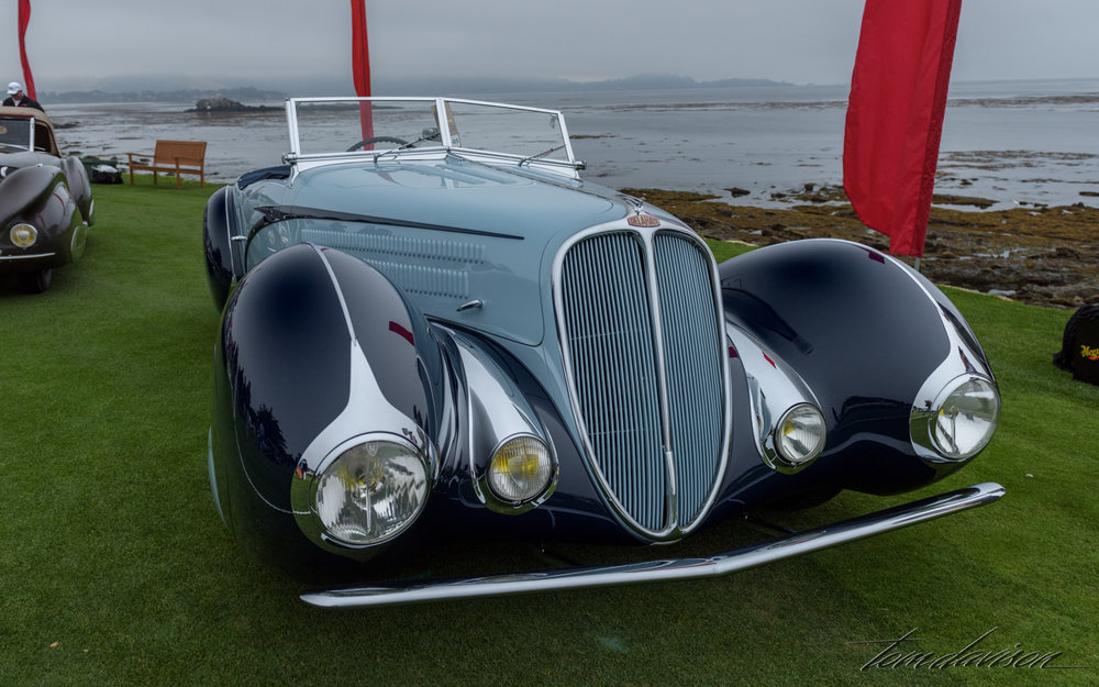 This is a Delahaye with coachwork by Chabron.
