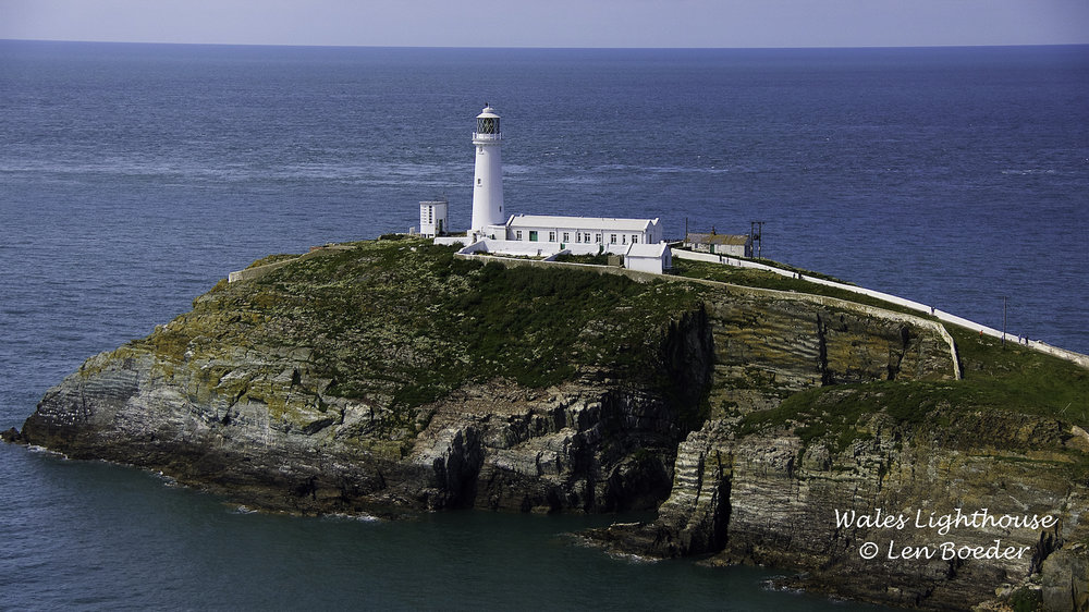 Wales Lighthouse 1005.jpg
