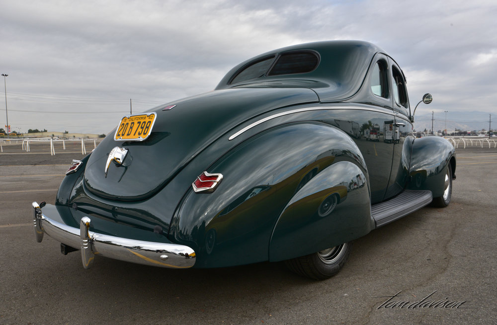 1940 Ford coupe built in early 1940s style.