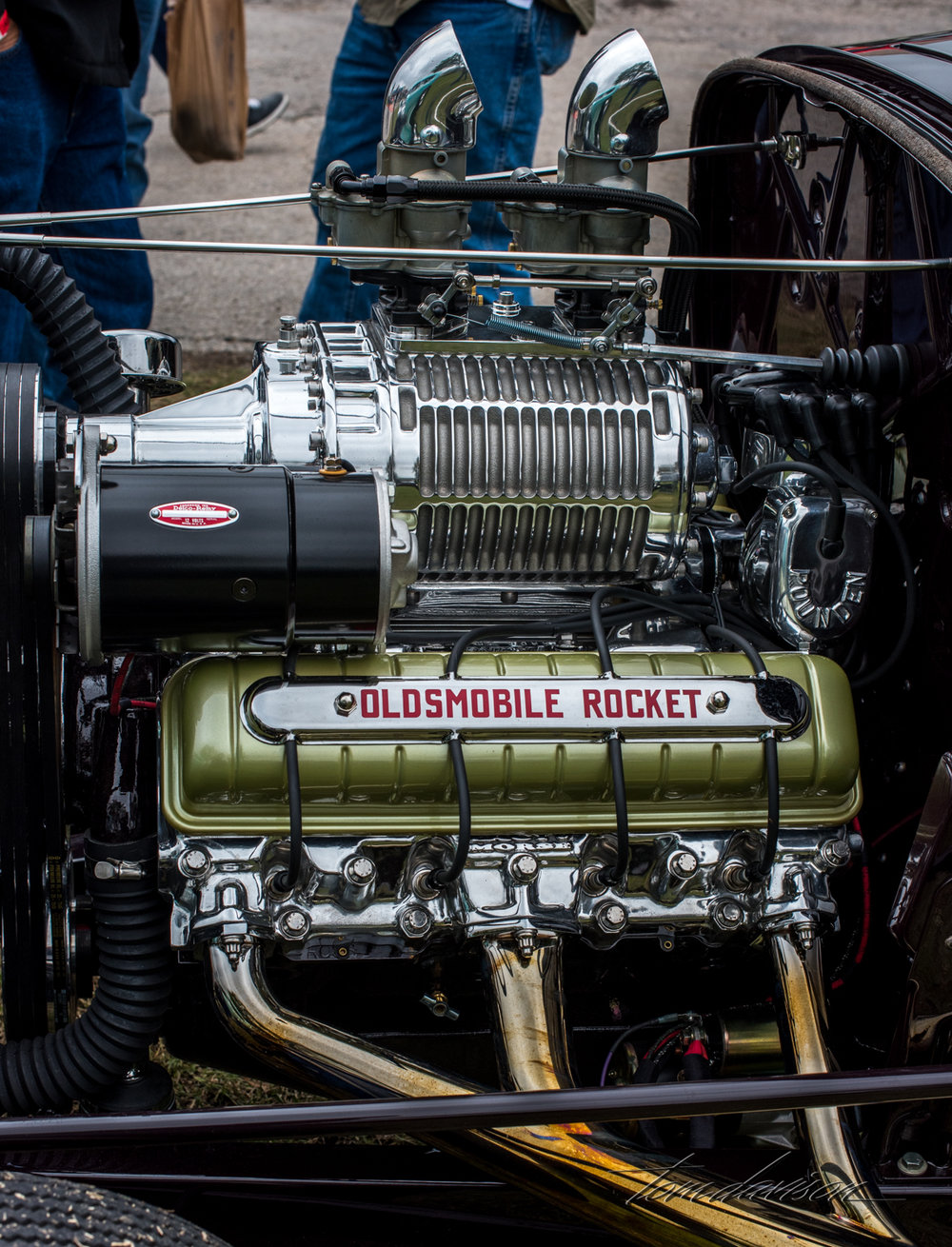 Supercharged Oldsmobile engine