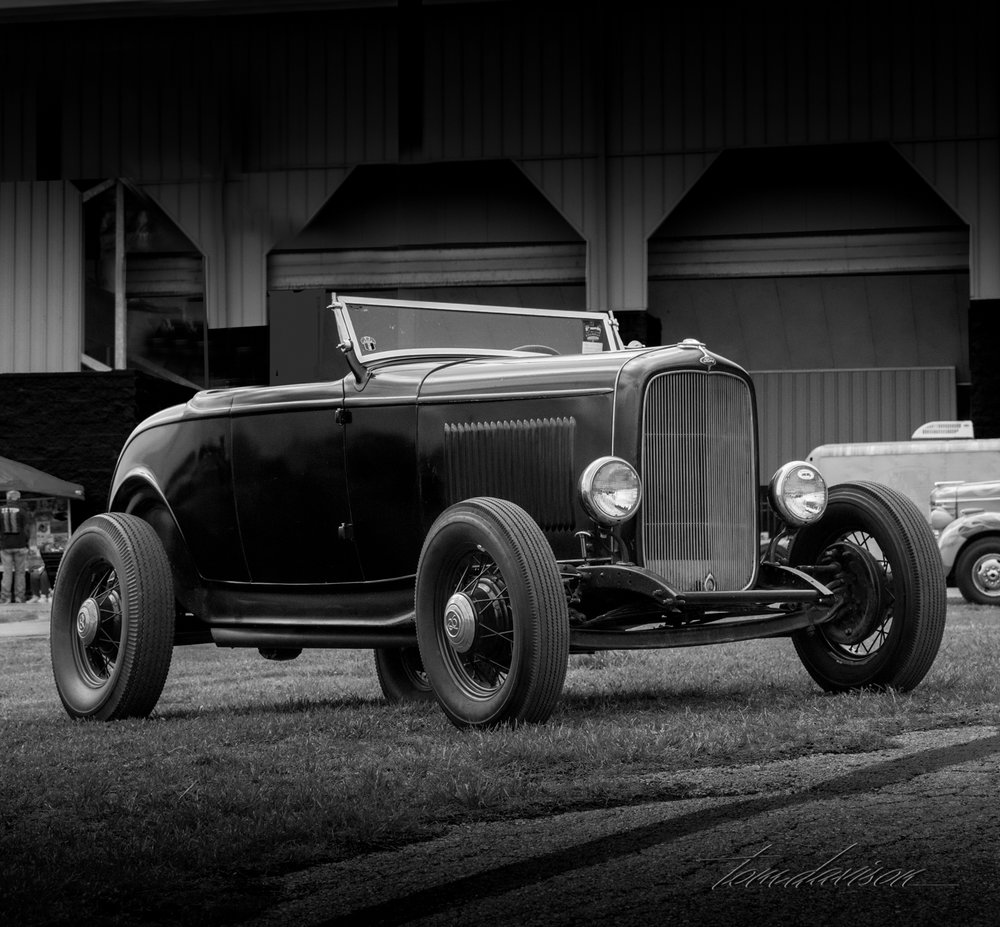 Classic 1932 Ford Deuce Hiboy Roadster