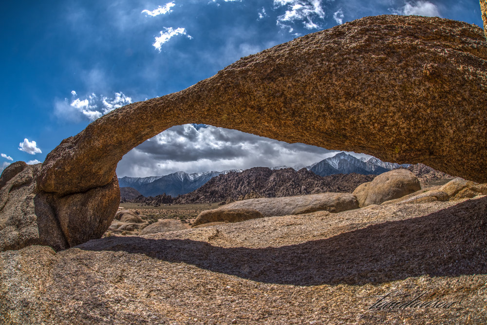 Lathe Arch is just yards west of Mobius.  The space is very tight and narrow with room for only one person at a time.  It only offers a view to the west (Sierra's).