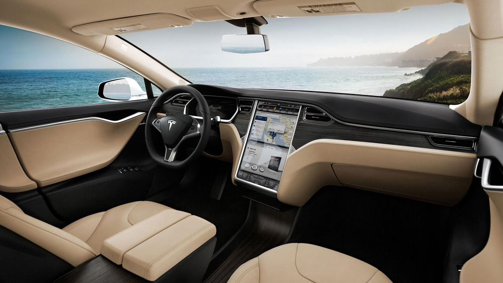 Tesla model S Interior and on-board computer