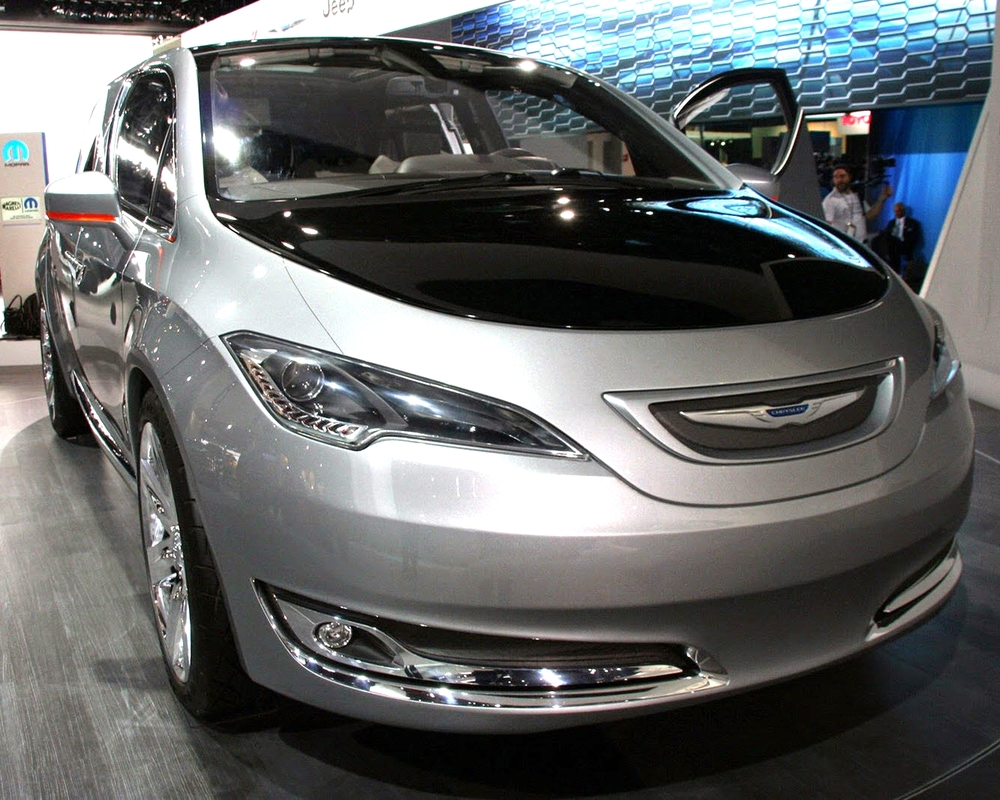 Chrysler Town and Country 700c PHEV Minivan (Future)