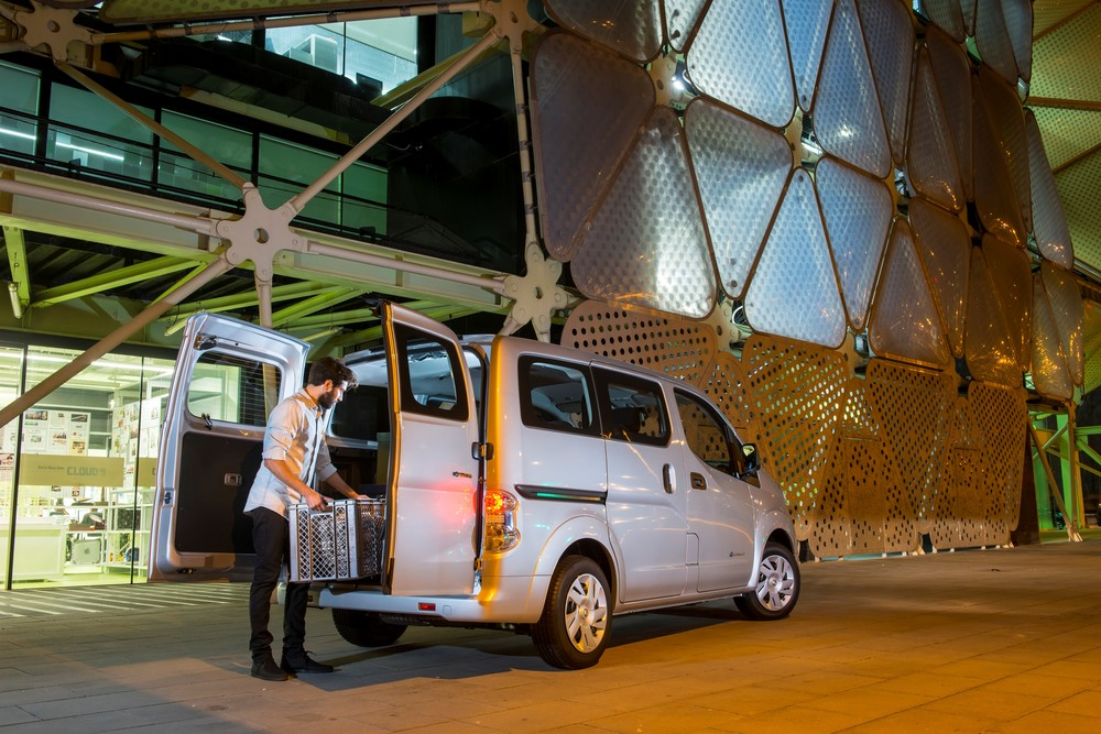 Nissan_E-NV200_All-Electric_Future_6.jpg