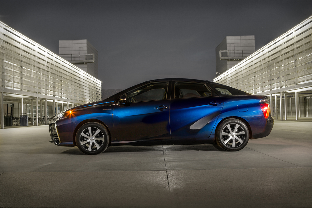 2016 Toyota Mirai (Hydrogen Fuel Cell VEHICLE)