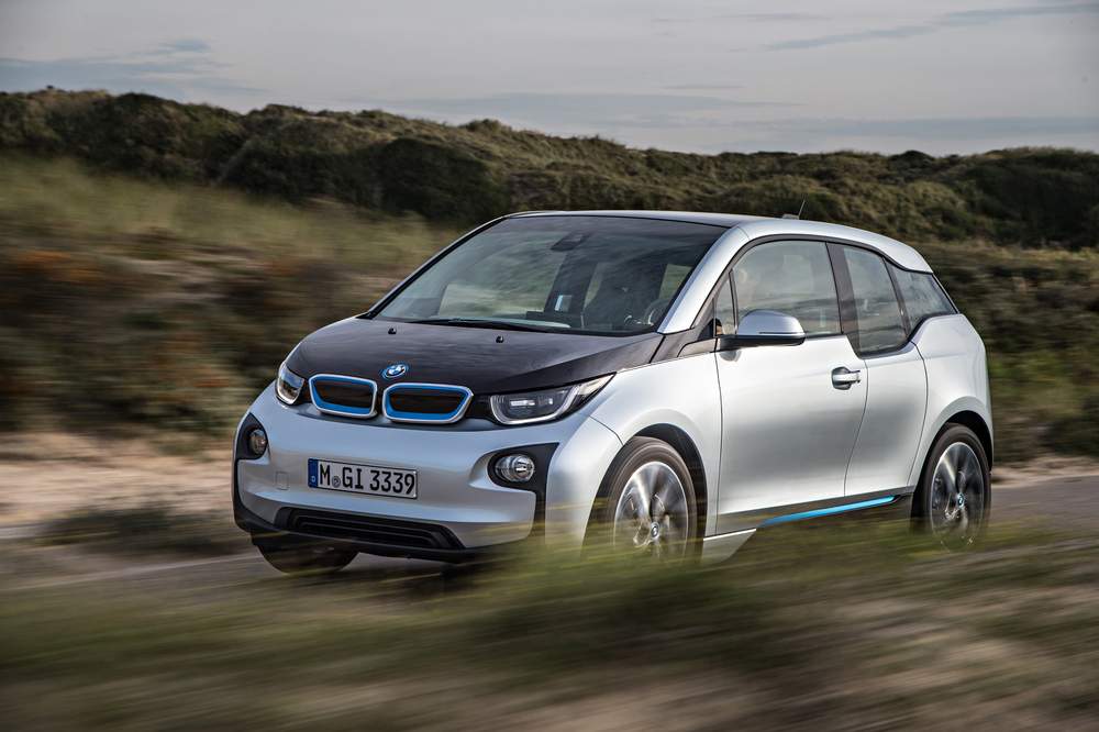 Before the BMW i3, the auto world had never seen such extensive use of carbon-fiber reinforced plastic (CFRP). It weighs 50 % less than traditional steel and 30 % less than aluminum.