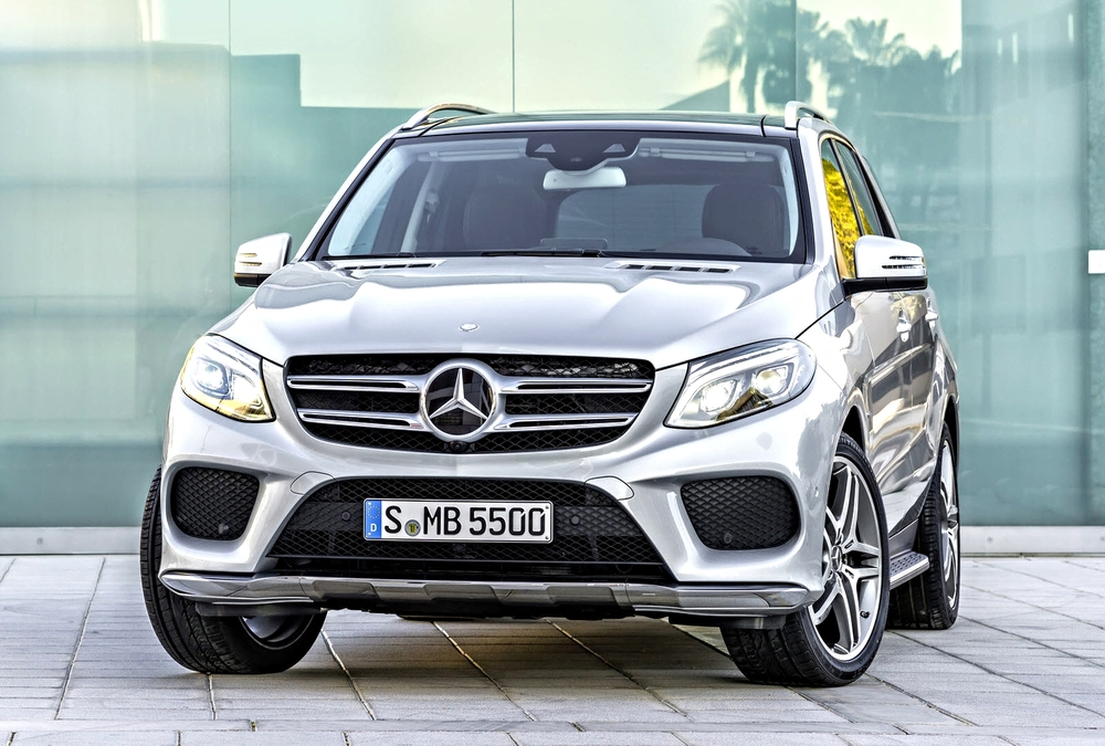 2016 Mercedes-Benz GLE550e Plug-In Hybrid, with 18 miles of all-ELECTRIC range