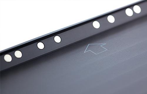 egyszerű szerelés - - 2 csavarral könnyedén rögzíthető- fekvő vagy álló pozíció- esztétikus szerelés, a töltőegység beépítéséhez egy szerelődoboz (65-ös) szükséges- állandó tápellátás (iPad töltő 220V / Puck USB töltő 24V)- extra mágneses rögzítés