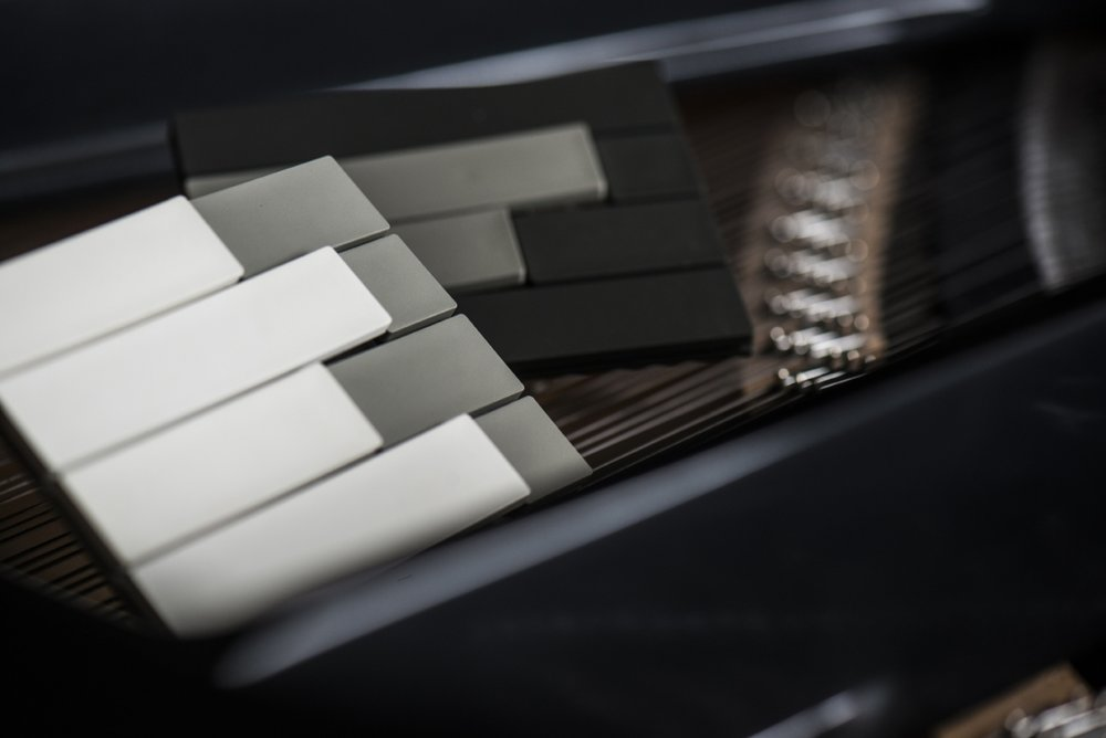 piano_mix_white_grey_black_1200_801.jpg