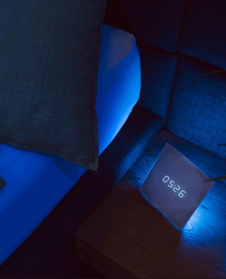 Éjszakai gyerekszoba fény - A Loxone Touch Nightlight beépített szörnyvédelmi rendszerrel rendelkezik. Elég fényt bocsát ki ahhoz, hogy a gyermekeid álmukból felriadva is tudják, hogy minden rendben van körülöttük.