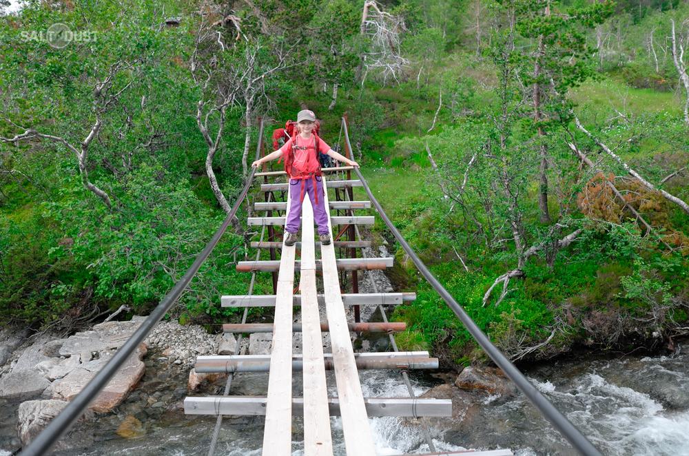 Tereza on the bridge