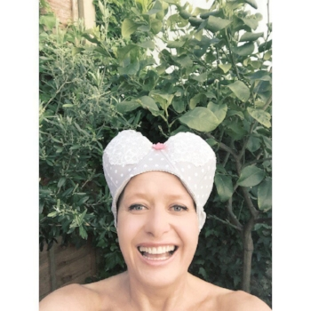 How do you catch a bra? Set a booby trap :-) Sara herself wears comfortable yoga vests and soft sports bras. Unless it's on her head...