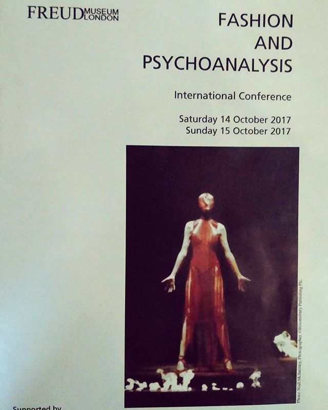 New blog post up reporting back from recent Fashion & Psychoanalysis Conference. Link in bio 😘 #FashionPsy #conferencereport #fashionandpsychoanalysis #whattowear #whatwouldfreuddo #fashionista #professorsoffashion #analysingfashion