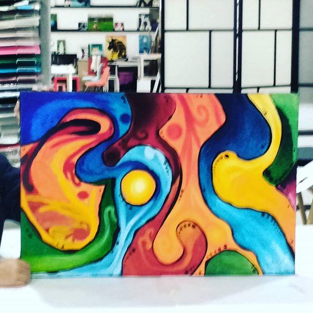 Primeira pintura abstracta da pequena Julieta :) 7 anos.  #ateliervss #artstudio #artclass #arteparacrianças #inscriçõesabertas #abstract #kids #areeiro #lisboa #lisbon #portugal