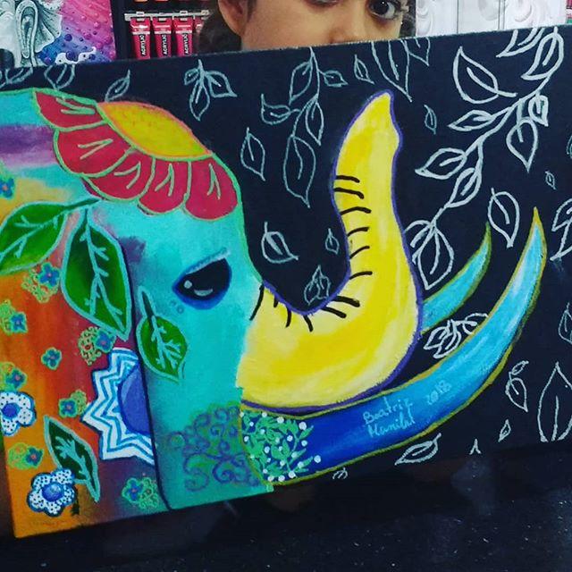 Pintura da Bea 😍 #ateliervss #artstudio #artclass #arteparacrianças #pintura #painting #elephant #inscriçõesabertas #areeiro #lisboa #lisbon #portugal